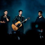 Jonas Brothers auf Happiness Begins Tour in der Lanxess Arena Köln - Fotos