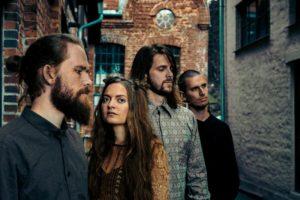 die norwegische Alternative-Pop-Sensation KALANDRA veröffentlicht ihre neue Single´Borders´
